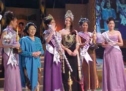 miss_indonesia_2001.jpg